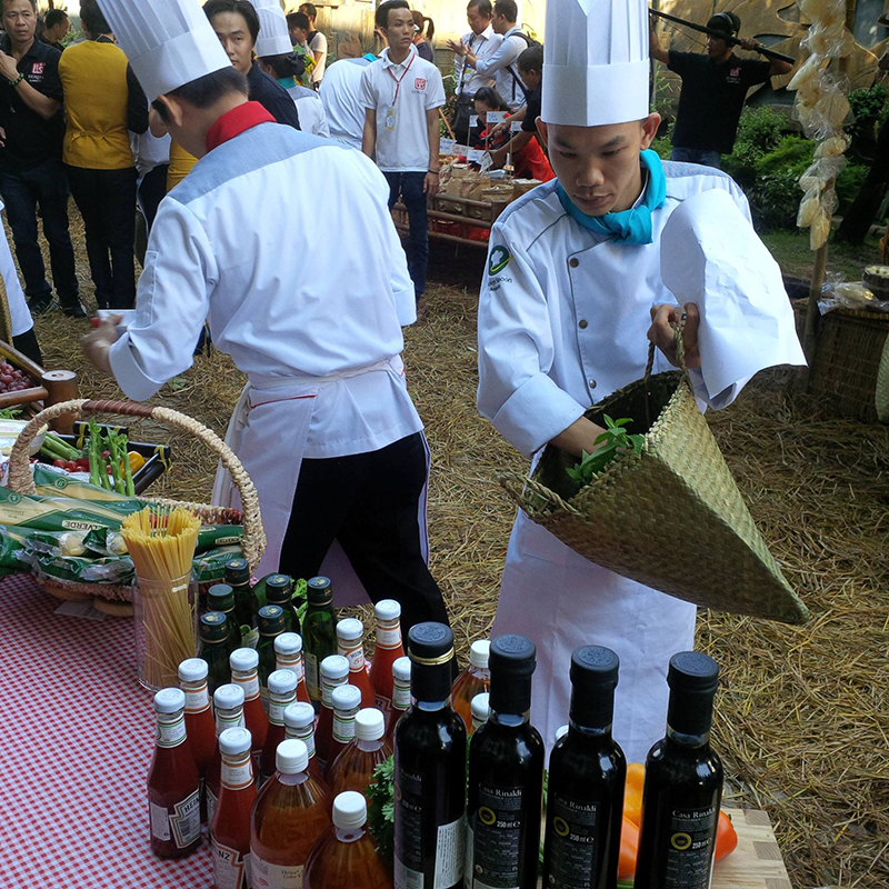 new-viet-dairy-at-golden-spoon-cooking-competition4